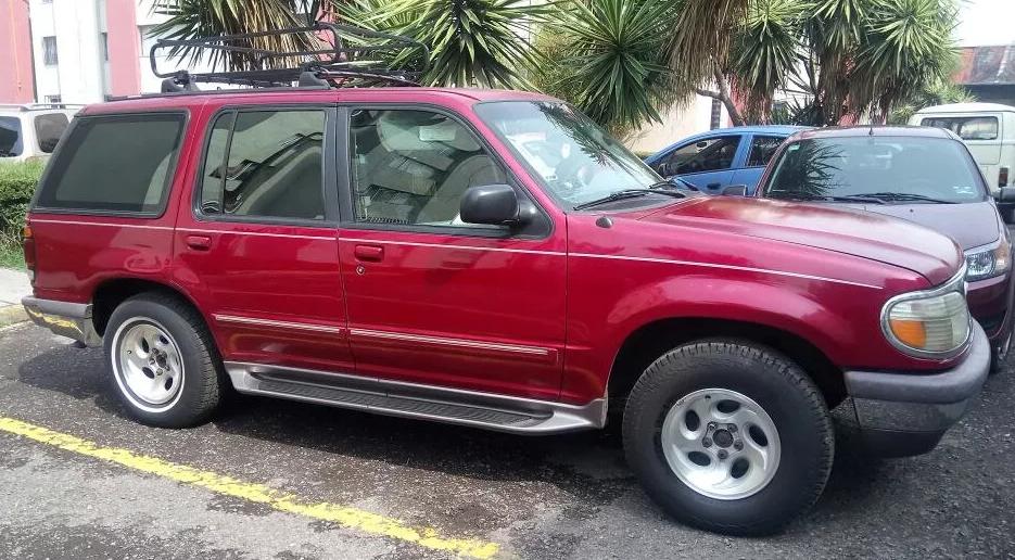 Segunda generacion de ford explorer 1995