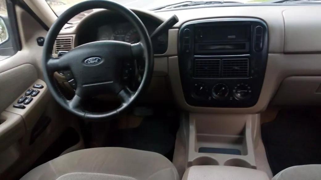 Interior ford explorer 2002